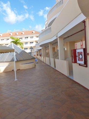 IBH Hotel Bahia Flamingo : Zu den Terassen zimmern