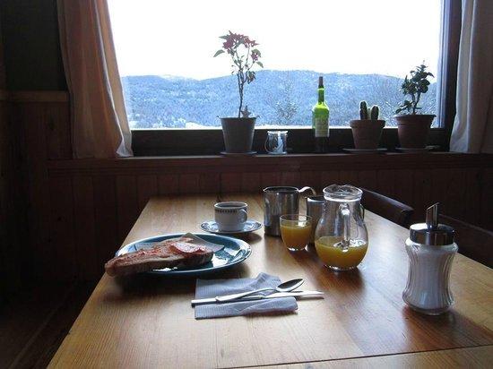 Xalet Refugi Pere Carné: Desayuno con vistas !