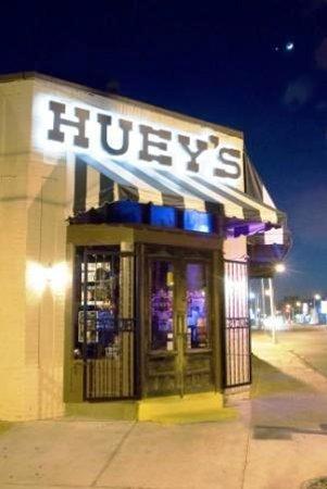 Photo of American Restaurant Huey's at 7677 Farmington Blvd, Germantown, TN 38138, United States