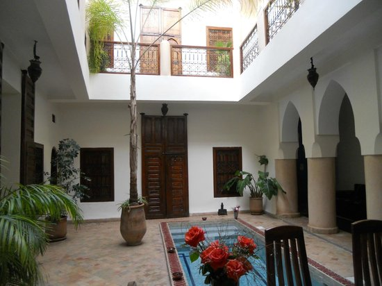 Darhani: view towards the bedrooms