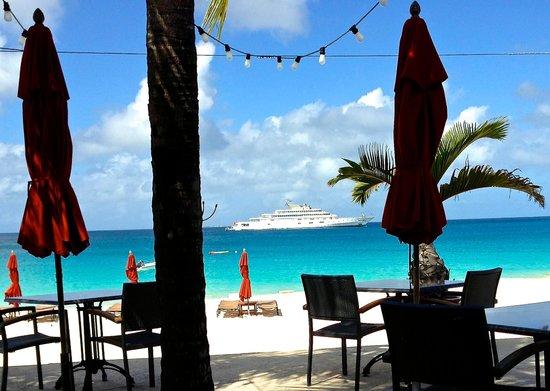 Straw Hat Restaurant: Extraordinary yachts visit