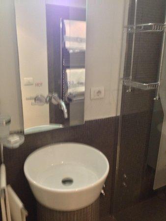 AbanoRitz Thermae & Wellness Hotel: Il lavabo nella seconda stanza da bagno, camera design nr. 515