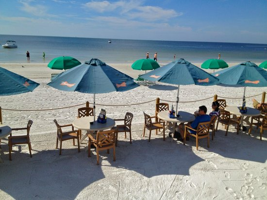 The Cottage Bar and Gulfshore Grill: The restaurant is actually on the BEACH!