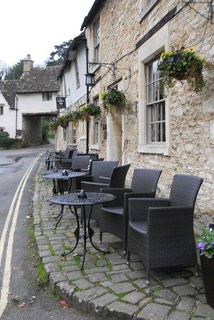 The Castle Inn: Castle Inn Hotel outside