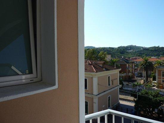 Hotel Baia Bianca: Вид с балкона