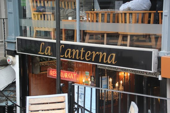 La Lanterna: The entrance