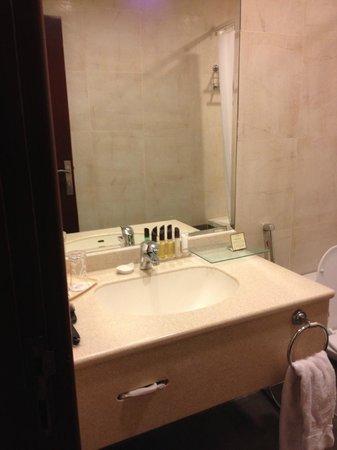 Mena Hotel Riyadh : Bathroom