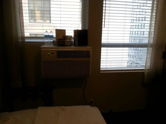 Hotel 373 Fifth Avenue: The air conditioning unit