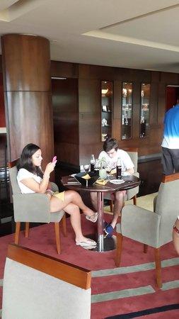 Grand Crucero Iguazu Hotel : Esperando para comer