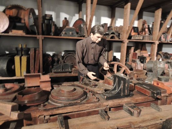 Southern Museum of Civil War and Locomotive History: History of train manufacture