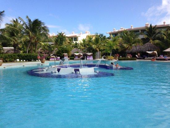Paradisus Punta Cana: Piscina del hotel