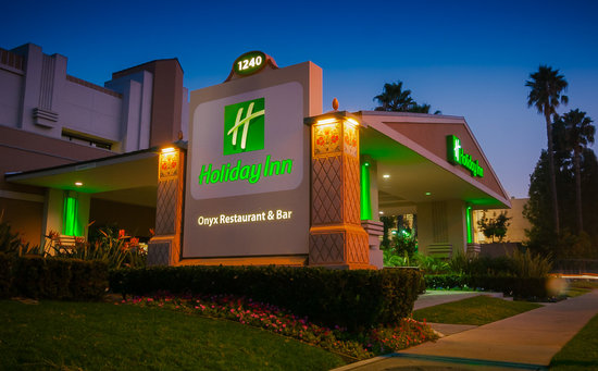Holiday Inn Hotel & Suites Anaheim (1 BLK/Disneyland): Welcome to your home away from home!