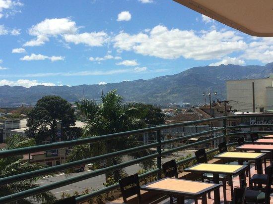 Hotel Del Rey: San Pedro Mall Balcony