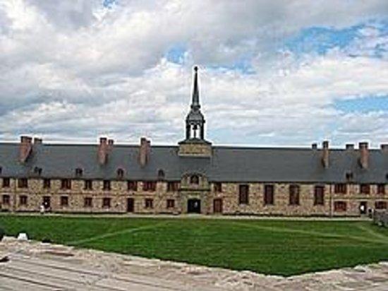 Le site historique national de la Forteresse de Louisbourg : Main Barracks