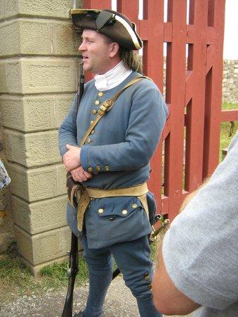 Le site historique national de la Forteresse de Louisbourg : Guard at Main Gate