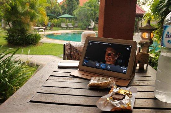 Sukun Bali Cottages : Крылечко