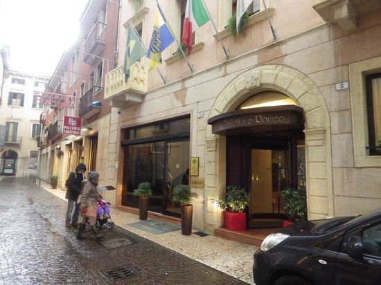 Giulietta e Romeo Hotel : l'entata dell'hotel