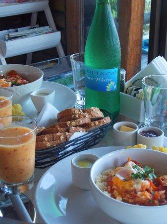 Horizon Yoga Center & Tea House: Breakfast!