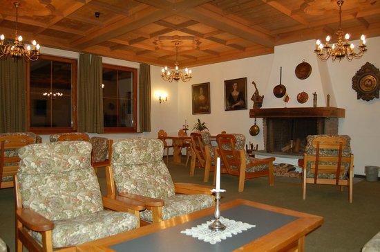 Hotel Bad Serneus: Aufenthaltsraum