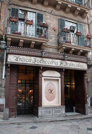 Antica Focacceria San Francesco: façade