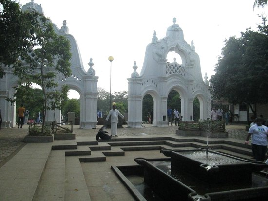 Kelaniya Raja Maha Vihara: entrance..