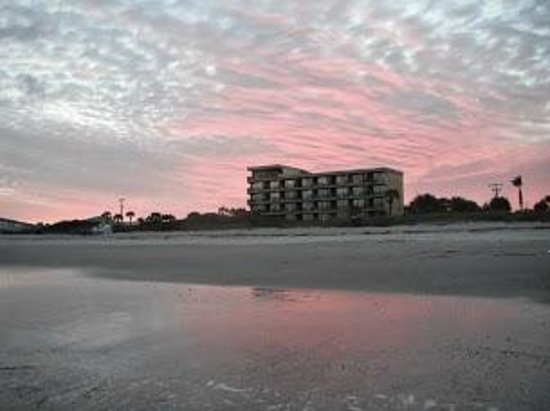 La Quinta Inn & Suites Cocoa Beach Oceanfront : View From Beach