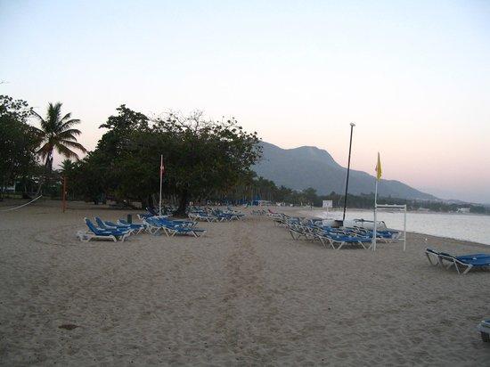 Grand Paradise Playa Dorada: Plage