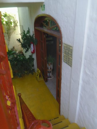 Hotel el Moro: on stairs down to lobby and breakfast area