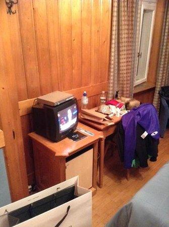 Hotel Cortina: television mini