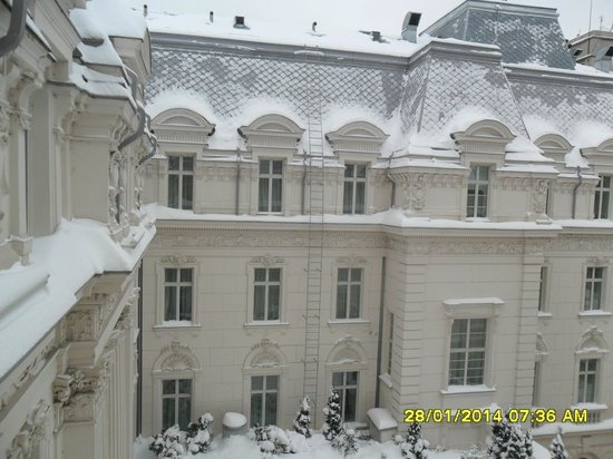 Grand Hotel Continental: view from bedroom