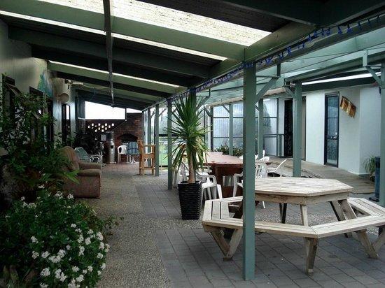 Tidewater Motel & Tourist Park: Local para comer e jogar cartas
