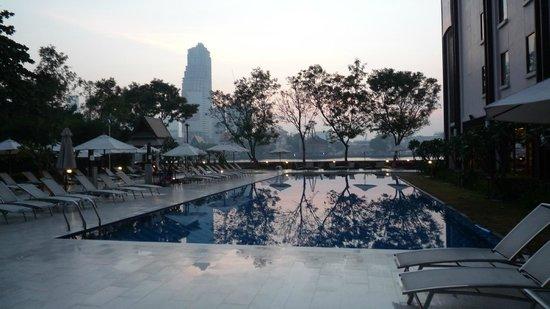 ibis Bangkok Riverside: Pool