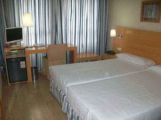 Hotel Infanta Mercedes: Habitación doble