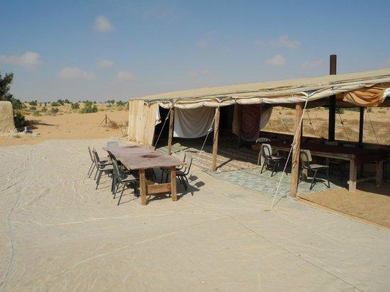Makman Dunes Desert Lodge: Beduin tent outside area