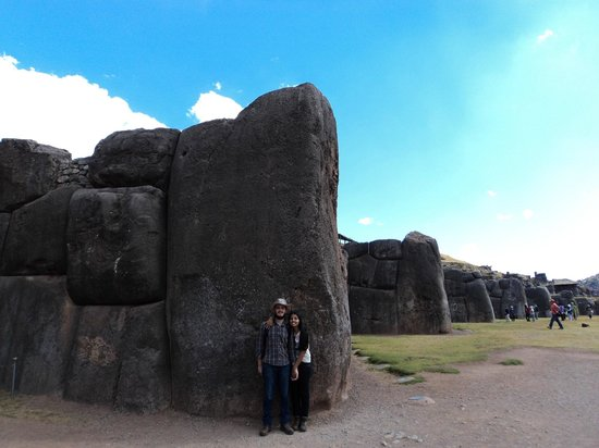 Sacsayhuamán: Maior pedra do Sitio, pontas do raio (visto do alto)