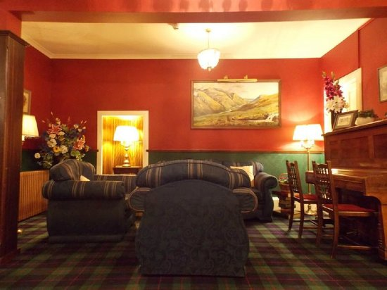 Atholl Arms Hotel: One area of the Lounge/Foyer : January 2014