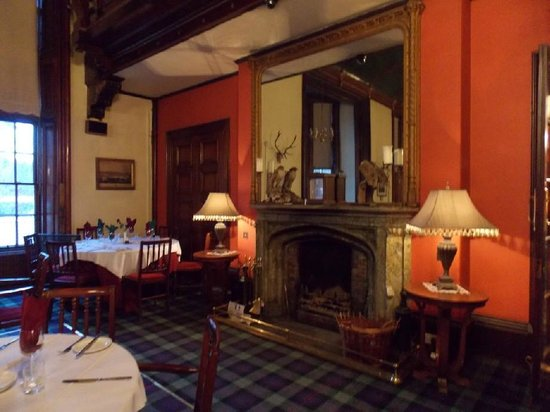 Atholl Arms Hotel: The grand Baronial Dining Room : Breakfast & Dinner & Balls