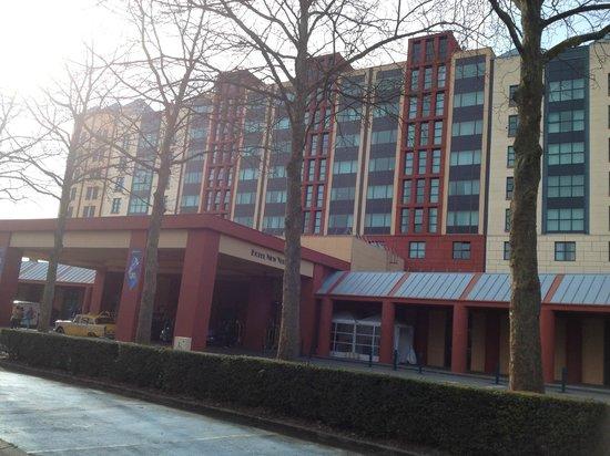 Disney's Hotel New York : Facade d'entrée