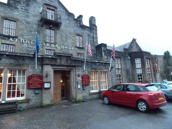 Atholl Arms Hotel: The front façade : January 2014