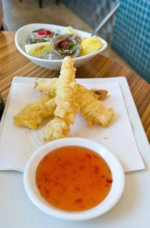 LB Seafood Bistro on the Bay: Prawn tempura and Japanese fresh arniston oysters