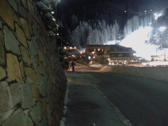 Hotel & Country Obereggen: 2 a piedi minuti dagli impianti