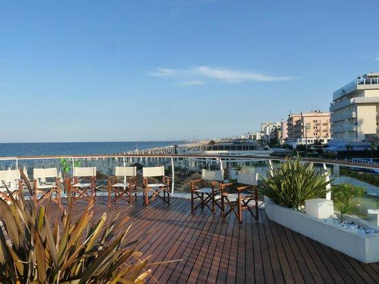 Hotel Benini : La terrazza sul mare