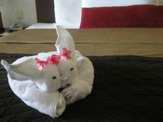 El Cid La Ceiba Beach Hotel : Origami towels