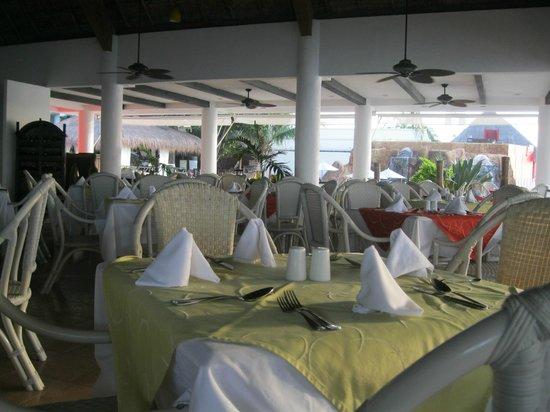El Cid La Ceiba Beach Hotel: Restaurant