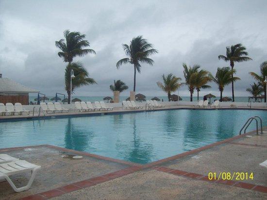 Viva Wyndham Fortuna Beach : pool view..cold