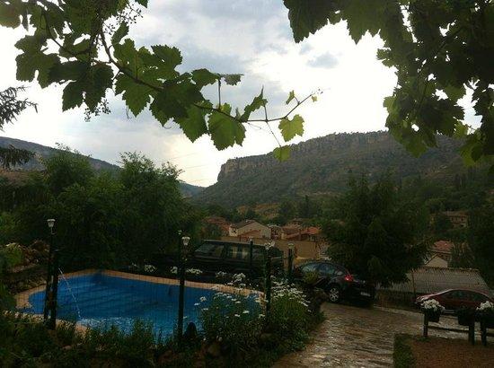 Hotel Rural Apartamentos Los Quinones: desde porche