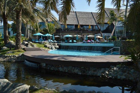 JA Palm Tree Court : Pool area