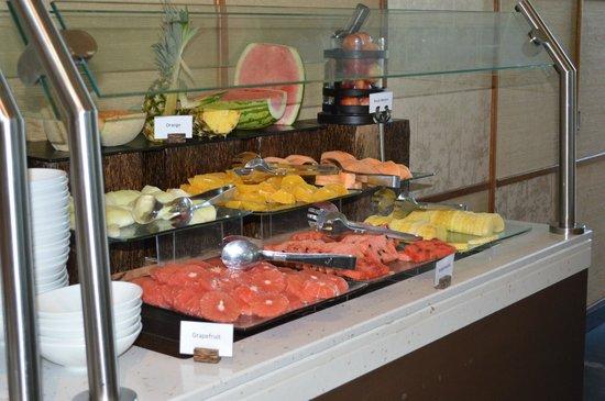 JA Palm Tree Court: Fresh fruit at breakfast