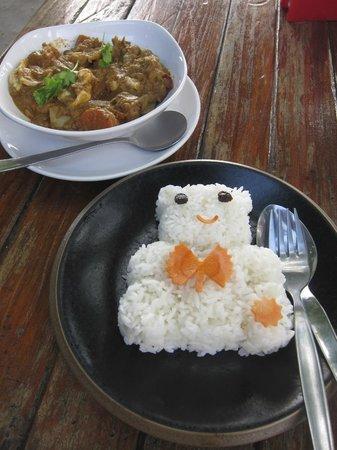 Monkey Island Resort: Lunch at monkey island