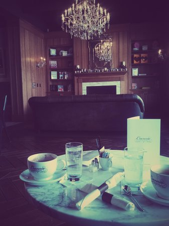 Craverie Chocolatier Cafe: lunch and lattes